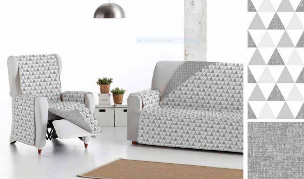 Cubre sofá reversible dos caras:estampado triángulo y cara lisa gris
